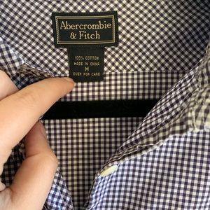 Abercrombie & Fitch high low button up Sz M